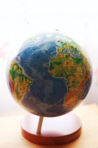ETFを通じて世界に投資する
