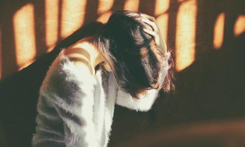 ツライ肩凝りを肩や首を揉まないで自力で治す方法を伝授しよう